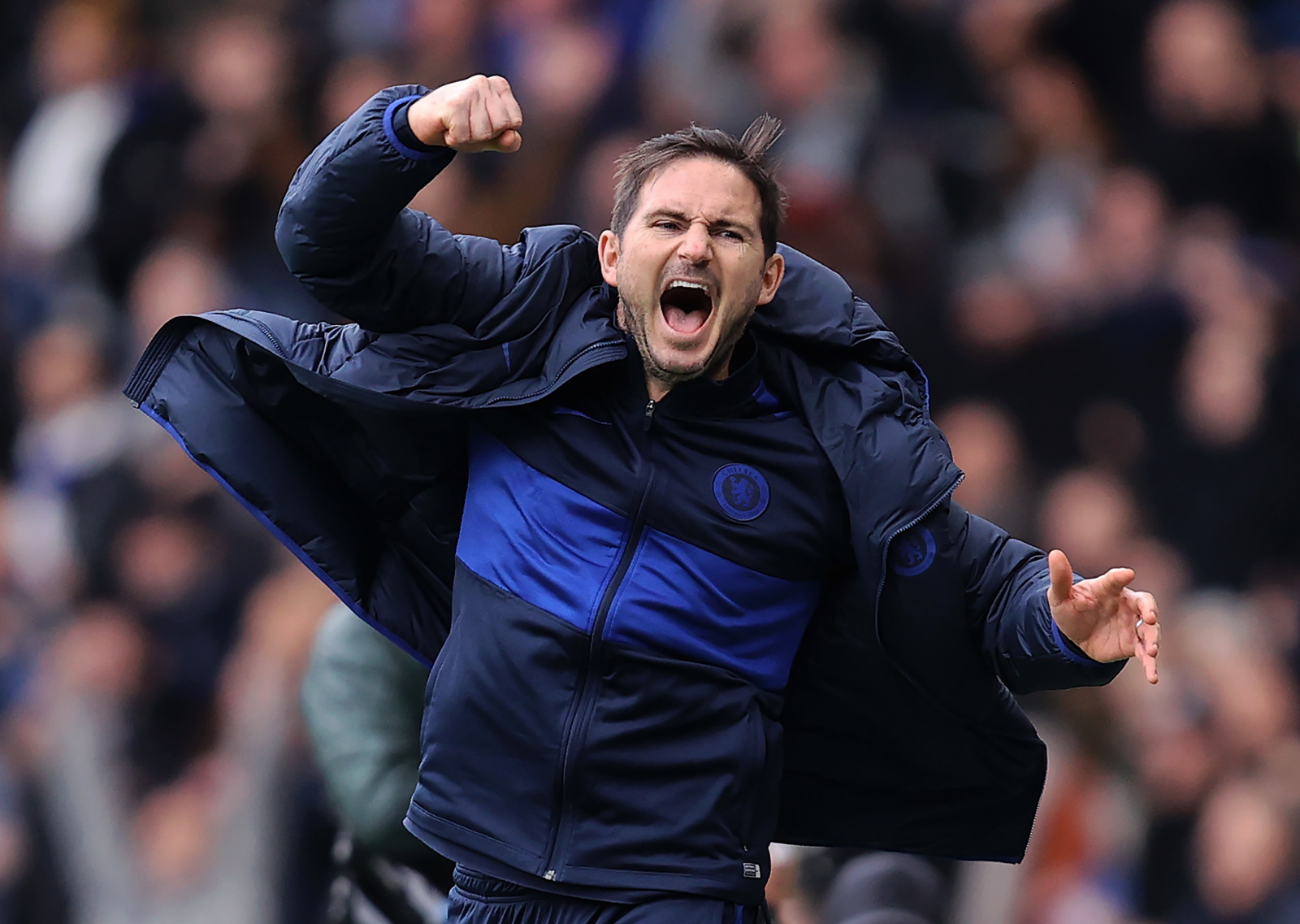 Chelsea's Frank Lampard is imperfect, but has the better of Jose Mourinho