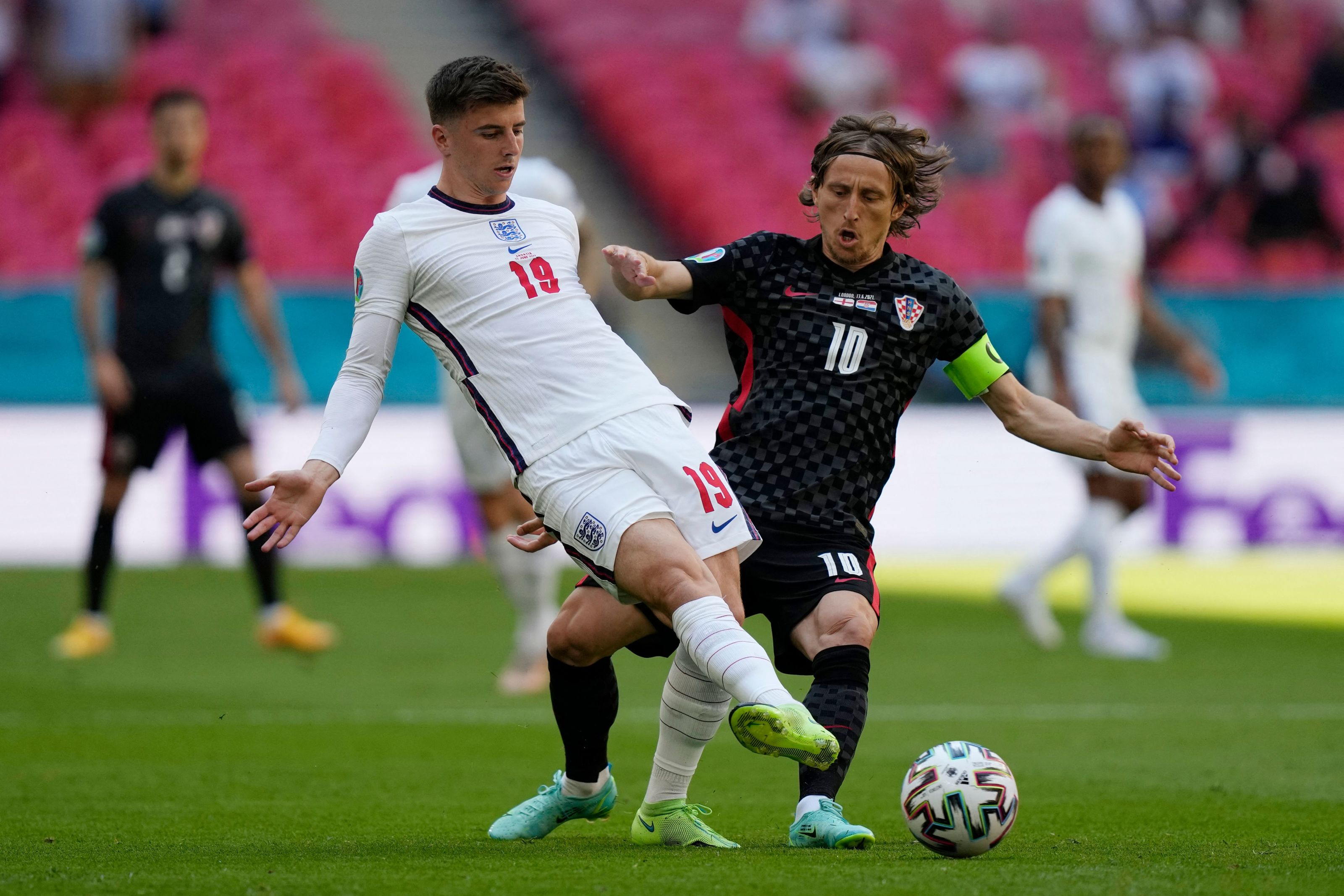 Chelsea's Mason Mount shines in Euro debut with England